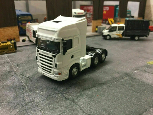 1/76 oxford diecast plain white scania