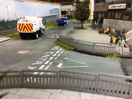 1:76 scale/00 Gauge 3D Printed Pedestrian Railings (10 Pack).