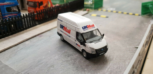1/76 Code 3 UKmail Oxford Diecast Ford Transit