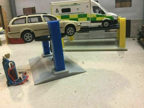 1:76 3D Printed 2 Post Ramp