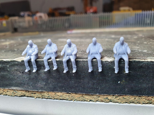1:76 scale resin printed driver figure