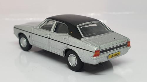 Ford Cortina MKIII Strato SIlver 76COR3008