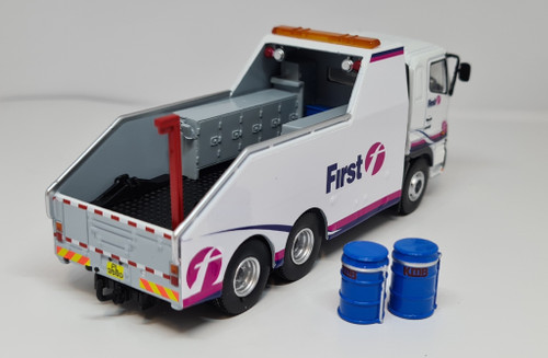 1:76 Code 3 Hino First Bus Recovery truck