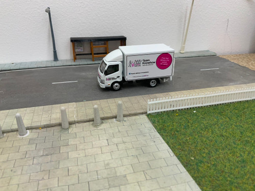 1:76 Code 3 Hino Team Knowhow Delivery Van