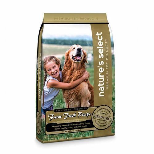 Image of a 28-lb bag of Nature's Select Grain Free Farm Fresh Recipe.