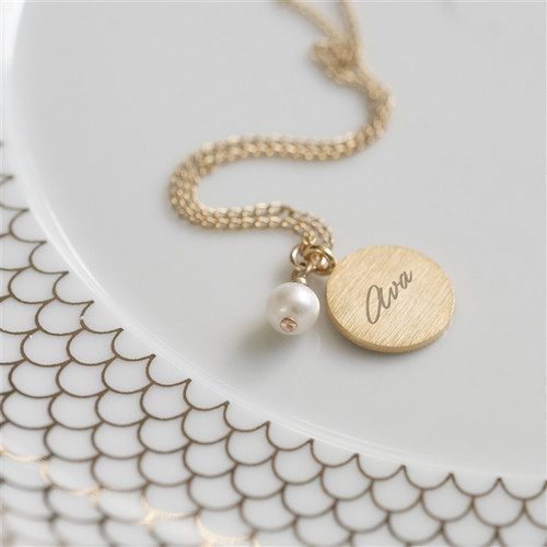Personalized Pearl and Gold Pendant necklace
