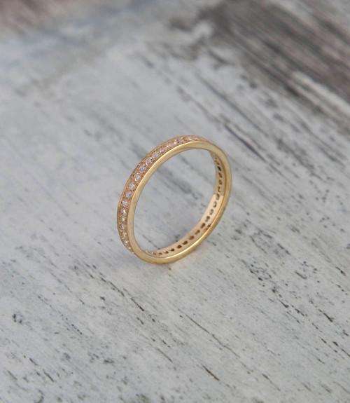Diamond eternity ring in yellow gold
