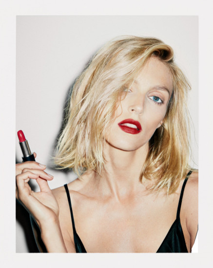 ANJA RUBIK, FASHION MODEL, ACTIVISTE