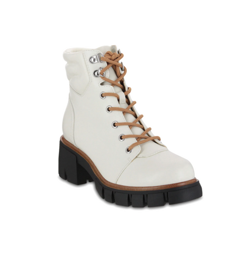 Caitlin Boot in Off White