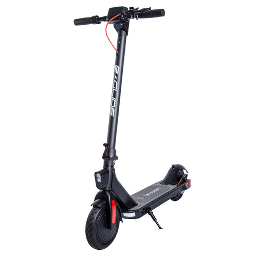 The e-Glide D150 Electric Scooter is a dual motor commuter built for everyday use and with portability in mind.