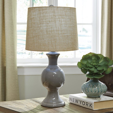 Magdalia Ceramic Table Lamp
