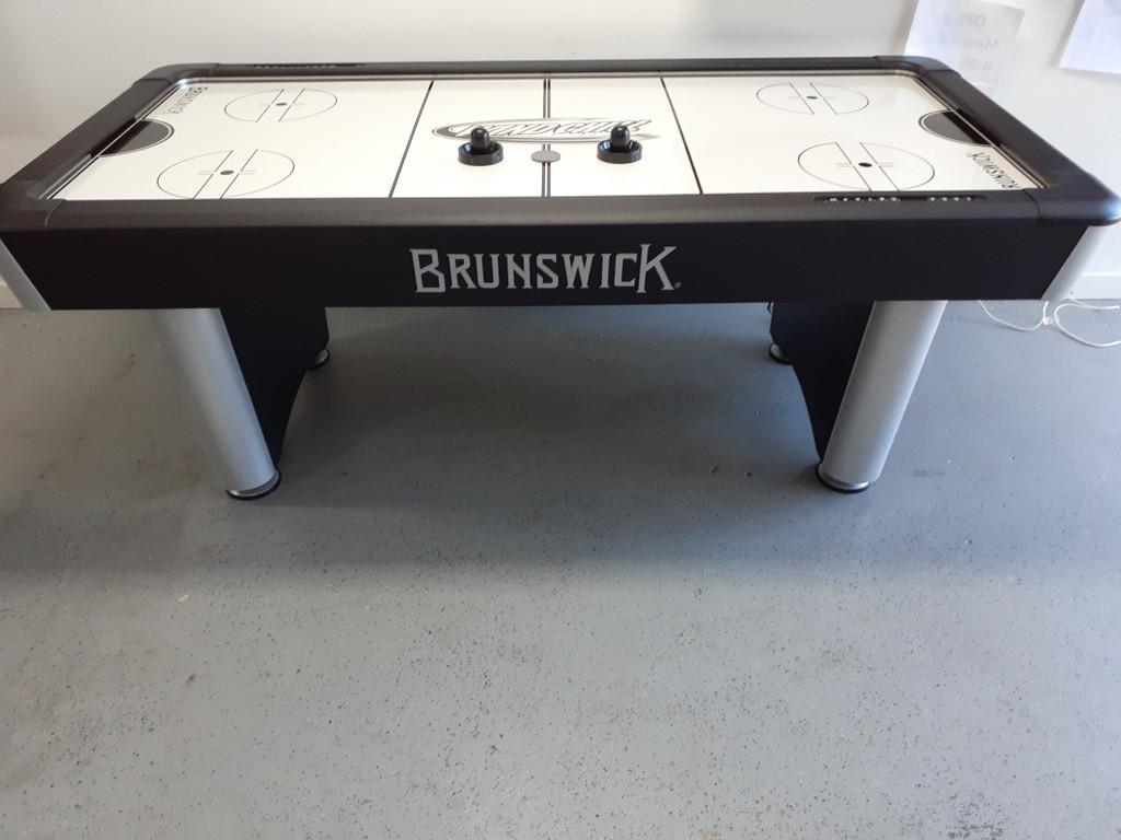 Brunswick Wind Chill II Air Hockey Table