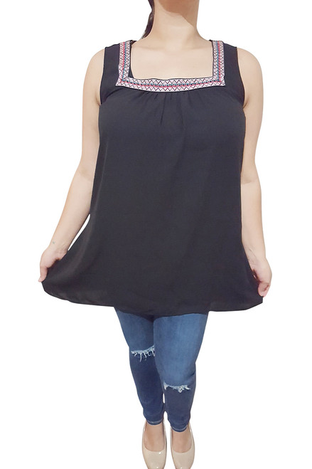 PLUS SIZE SLEEVLESS TOP WITH CROCHET TRIM! BLACK.  (A-155)