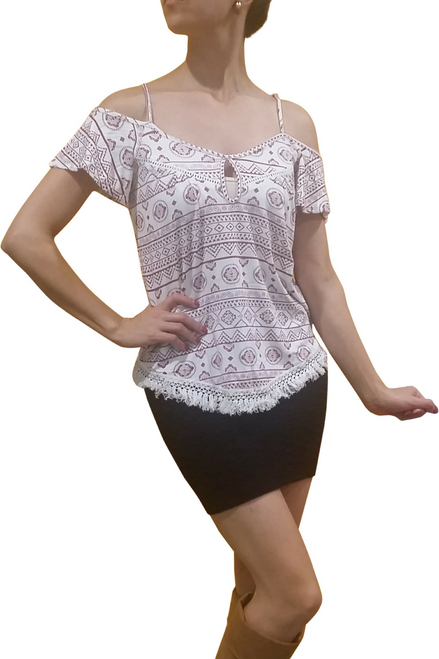 95% COTTON OPEN SHOULDER TRIBAL TOP FROM CHARLOTTE RUSSE!  (B-74)