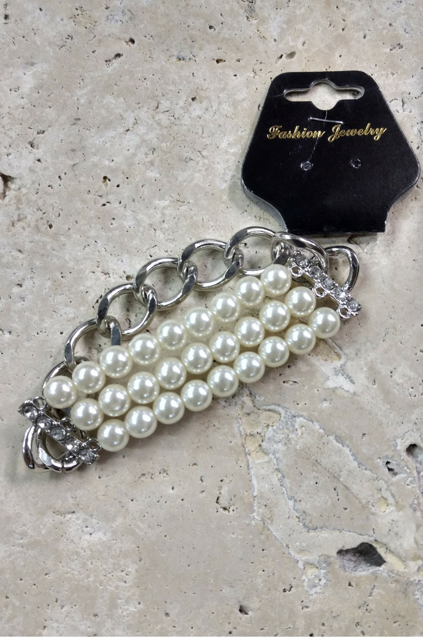 DEPARTMENT STORE FAUX PEARL BRACELET WITH LARGE LINK CHAIN. (G-8)