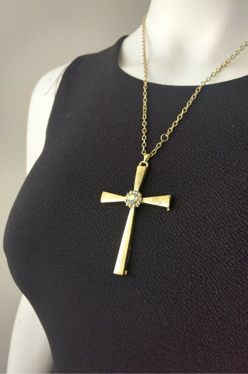 Vintage Cross with Faux Diamond. Color: Gold.  (G-105)