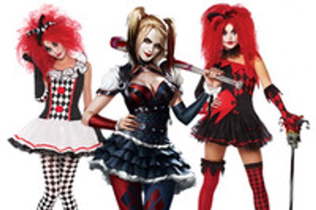 Harlequin Honey VS. Jesterina , The new takes on Costumes