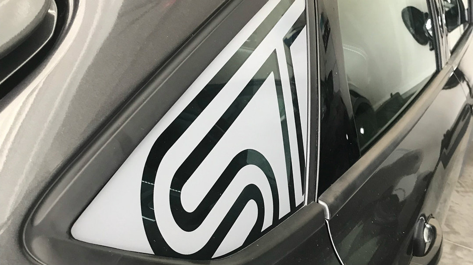 ST Quarter Window Decal posted by @no.st_andardmk3