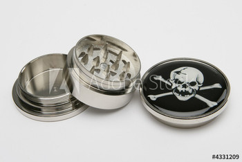Skull and crossbones three-piece metal herb grinder