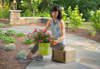 Simplay3 Handy Home 3 Level Garden Seat is lightweight and easy to carry.