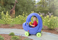 Simplay3 Elly Coupe elephant theme adds to the imagination fun as your child travels to a land of fanciful safari.