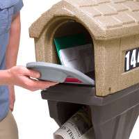 Simplay3 Classic Home Plus Mailbox  with newspaper holder has heavy duty magnets that keep the doors closed and secure, keeping mail dry and safe.