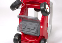 Simplay3 My Buddy & Me SUV with patented removable floorboard panel that rotates 180 degrees and locks underneath.