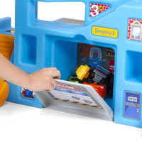 Simplay3 Carry & Go Garage door storage compartment keeps toy cars and trucks secure when kids are on the move!