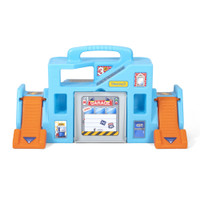 Simplay3 Carry & Go Garage is compatible with toy cars and trucks.