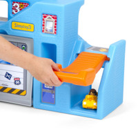 Simplay3 Carry & Go Garage playset with hidden tunnels and steep ramps add to the adventure!