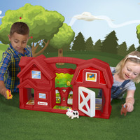 Simplay3 Carry & Go Farm portable playset is large enough for friends to join in the fun indoors or outdoors!