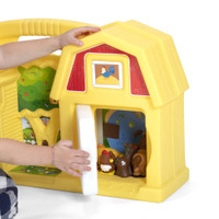 Simplay3 Carry & Go Farm barn doors open keeping toy farm animals and figures conveniently stored when not in use.