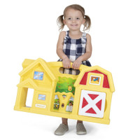 Simplay3 Carry & Go Farm with large handle is lightweight and sized for easy portability!