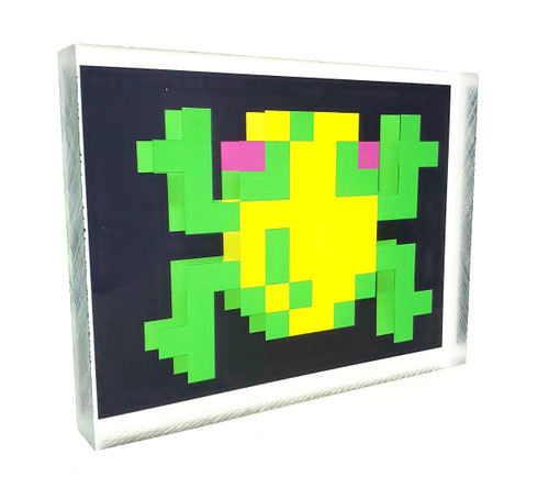 Artovision - Frogger Froggy Desk Art