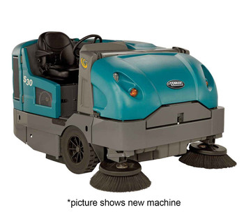USED Tenant S30 LP Ride-On Sweeper