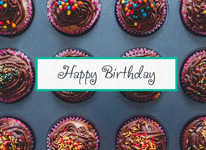 B1601 - Colorful Cupcakes