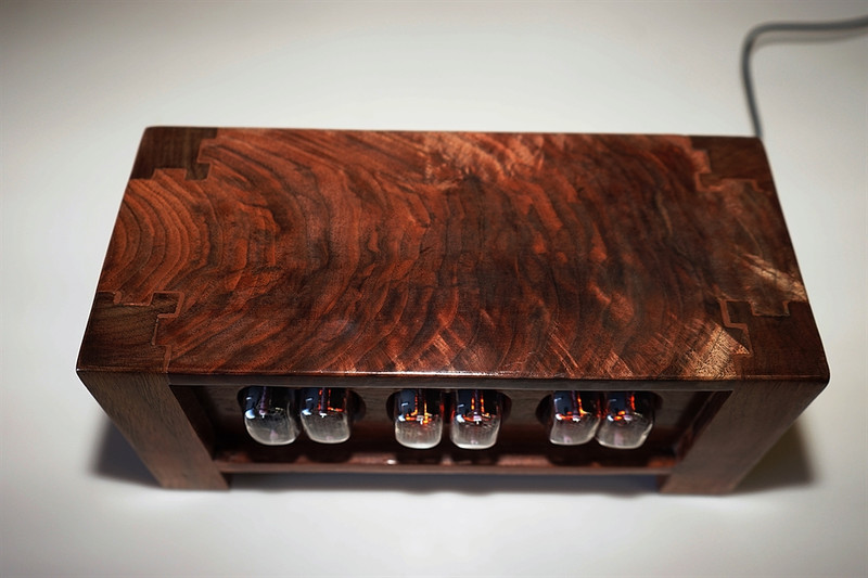 Figured Walnut in12- Panel mounted 6 bulb nixie clock