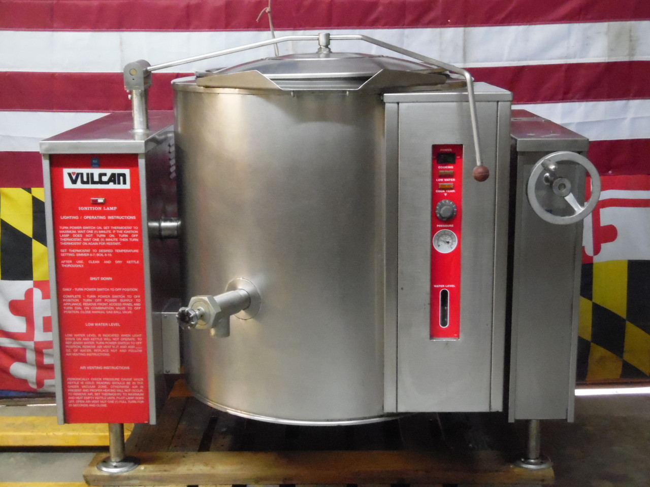Vulcan Blodgett Nat Gas 40 Gallon Tilting Steam Kettle VGLT40