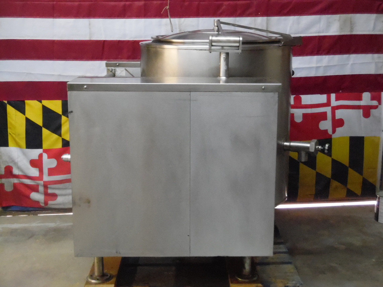Vulcan Blodgett Nat Gas 40 Gallon Tilting Steam Kettle VGLT40