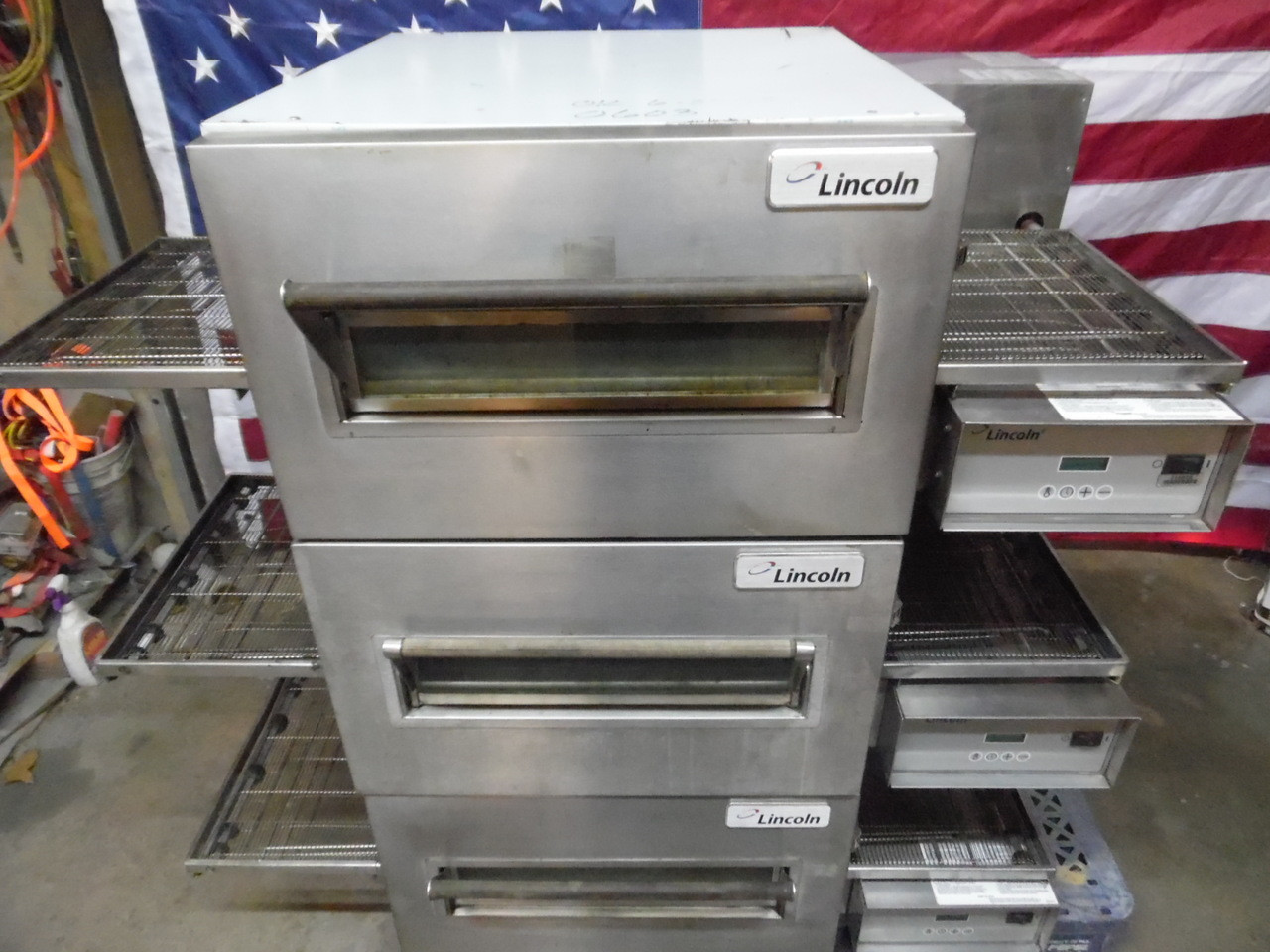 Lincoln 1132 208 3 Phase Electric Triple Deck Conveyor Pizza Ovens