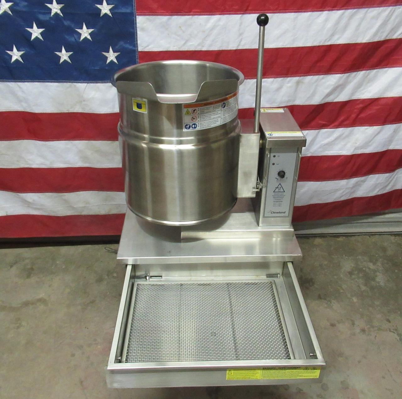 2016 Cleveland Electric 12 Gal Tabletop Tilt Kettle KET-12T 208V