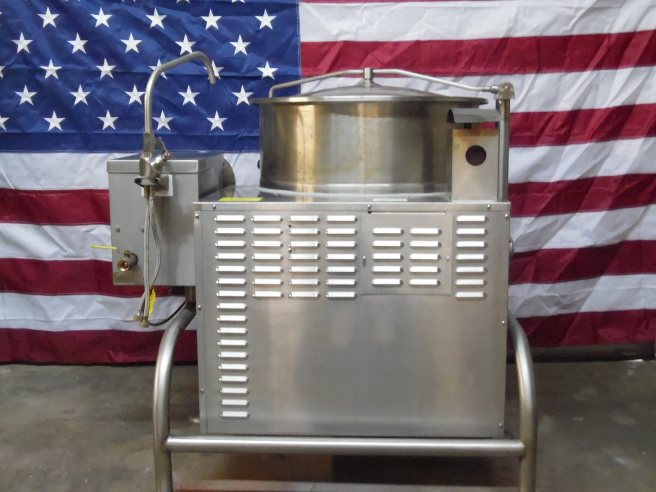 2015 Cleveland Tilting KGL-40T Natural Gas Jacketed Tilt Steam Kettle