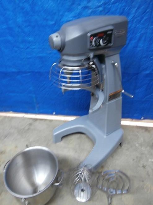 Hobart HL200 Floor Model 20 QT Dough Mixer - Hobart