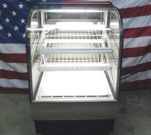 Federal Refrigerated Curved Glass Showcase Display Model CGR-3148