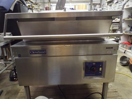 !Sold! Cleveland SGL-30R Nat Gas Braising Pan Tilt Skillet