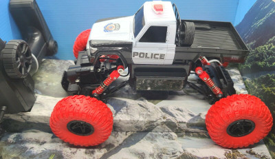 RC Rock Police Car All Terrain Climber 2.4GHz 1:16 Scale 4WD