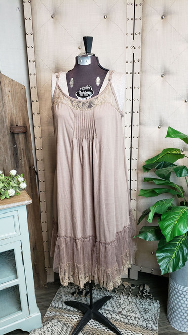Curvy Lace Trim Layering Dress-Mocha