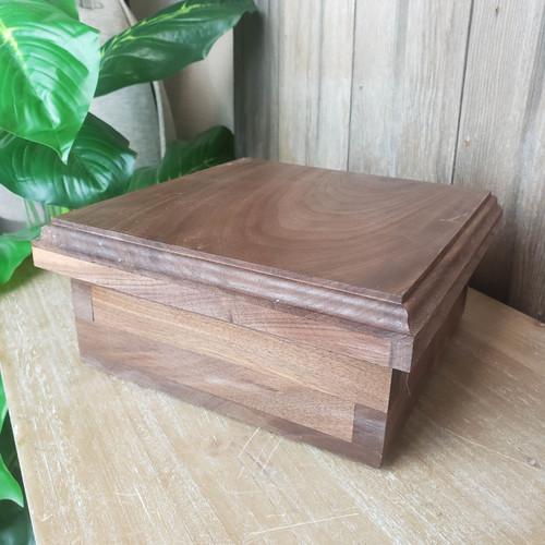 Short Trinket Box-Walnut