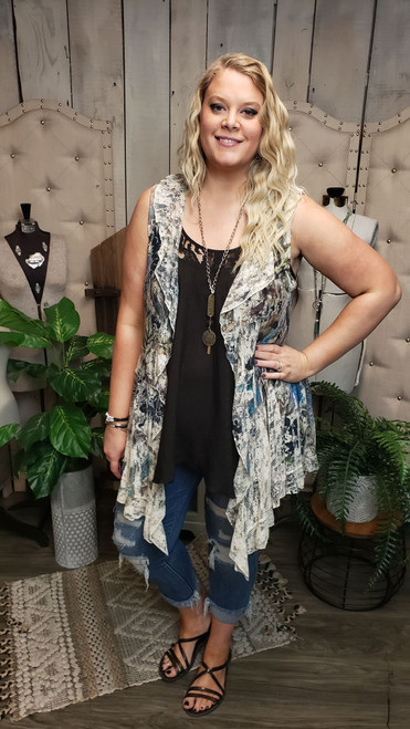 Curvy Full Lace Vest W/Ruffle-Feather/Floral
