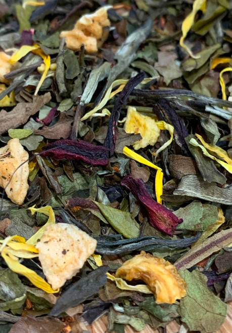 Sisters Tea Company Fuzzy Navel White Tea close up